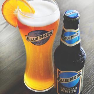Perfect 👌🍊🍻  #CraftBeer #ArtfullyCrafted #BlueMoonBeerUK   Drink Blue Moon Responsibly.