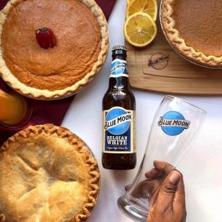 You know what pairs well with pie? The incomparable taste of Blue Moon Belgian White. Tag your pie partner. #NationalPieDay . . . 📸: @eatwhateveryouwant