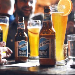 Cheers to all those able to get out there and enjoy the pub gardens… Blue Moon will be waiting for you 🍻  #Beer #BeerLovers #BlueMoon #BlueMoonBeer #CraftBeer #PubGarden #Pint   Please Drink Responsibly