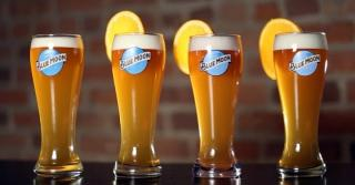 Your next pint of Blue Moon is waiting for you... 🍊🍻💙  #BlueMoon #Beer #BeerLovers #Orange #CraftBeer #Pint  Please Drink Responsibly