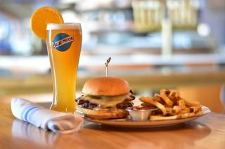 Gourmet burgers and crafted beers, a tasty pairing. Happy #NationalBurgerDay