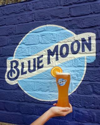 All things bright and Blue Moon 💙  #CraftBeer #ArtfullyCrafted #BlueMoonBeerUK  Please Drink Responsibly