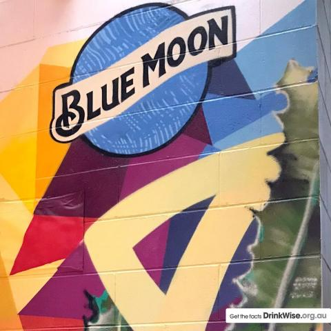 The amazing piece of art created at @OsbourneHotel from the talented @instaguss at #BrewsandBlues  #BlueMoonAus